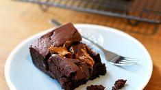 Pindakaas brownie - 24Kitchen Brownies, Smoothies, Sweet, Desserts, Food, Portraits, Chocolates, Cake Brownies, Smoothie