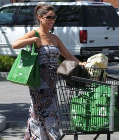 Vanessa Minnillo Lachey was spotted doing some Easter shopping at Ralph's this weekend in a super cute and comfortable strapless maxi dress.