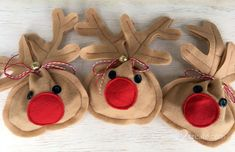 Includes easy pattern and tutorial for making your own little Christmas treat bag! Kids Christmas Treats, Christmas Crafts To Make, Christmas Favors, Christmas Sewing, Christmas Bags, Felt Christmas, Holiday Crafts, Christmas Ornaments, Felt Gifts
