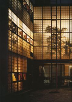 "Architecture - Designed by Pierre Chareau and Bernard Bijvoet, the Maison de Verre translated as ""House of Glass,"" is a milestone in early modern architectural design. Architecture Cool, Contemporary Architecture, Architecture Diagrams, Architecture Portfolio, Casa Patio, Glass Brick, Glass House, Model Homes, Interior And Exterior"