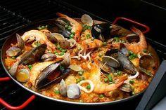 Paella Valenciana de marisco... riquísima :)