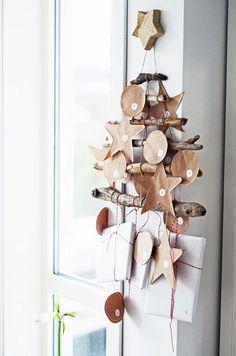 Un calendrier de l'Avent fait maison par Home by Linn.