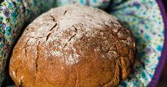 Der Duft eines selbstgebackenen Brotes ist unwiderstehlich. Dieses Rezept reicht für 2 Sauerteigbrote.