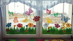 Diy Classroom Decorations, Christmas Window Decorations, School Decorations, Decoration Creche, Easter Paintings, Window Display Retail, Kids Nursery Rhymes, Spring Crafts For Kids, Daycare Crafts