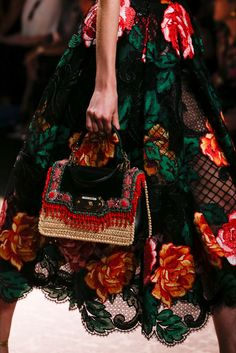 Dolce & Gabbana Spring 2019 Ready-to-Wear Collection - Vogue Couture Mode, Couture Fashion, New Fashion, Trendy Fashion, Runway Fashion, Spring Fashion, Fashion Show, Autumn Fashion, Fashion Outfits