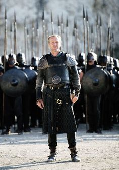 "Iain Glen as Jorah Mormont talking to Daenarys Targaryen: ""I've been by your side longer than any of them, Khaleesi. Let me stand by your side today as well."" Game of Thrones 'Breaker of Chains' Winter Is Here, Winter Is Coming, Carl The Walking Dead, Ser Jorah Mormont, Game Of Thrones Instagram, Got Costumes, Iain Glen, Got Characters, Got Game Of Thrones"