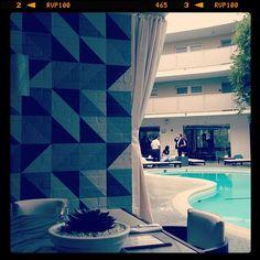 Wall paint pattern Avalon Beverly Hills / love the @kellywearstler interiors -