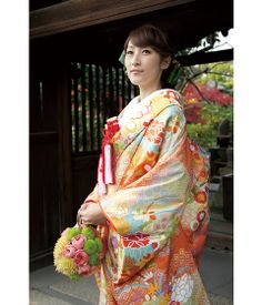 http://www.tagaya.co.jp/kimono/img/uchikake/pic/pic_02.jpg