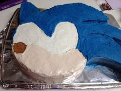 Dragonflies Sonic the Hedgehog Cake Tutorial Dragonflies - Modern Sonic Birthday Cake, Sonic Birthday Parties, Birthday Ideas, Bolo Sonic, Sonic Cake, Sonic Party, Sonic Kuchen, Elsa Torte, Sonic The Hedgehog Cake