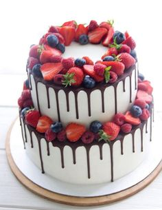 Meanwhile, make the topping by combining each of the ingredients in a very saucepan and provide a bo Fruit Birthday Cake, Birthday Cakes For Teens, 18th Birthday Cake, Buttercream Cake Designs, Cake Icing, Cupcake Cakes, Cute Cakes, Yummy Cakes, Beautiful Cakes