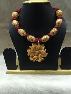 Thread Jewellery, Temple Jewellery, India Jewelry, Gold Jewelry, Beaded Jewelry, Jewelery, Mangalsutra Bracelet, Light Weight Gold Jewellery, Antique Necklace