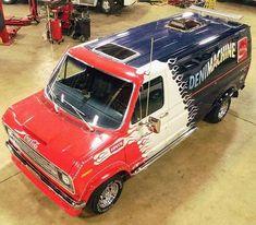 Custom VANS natural BABES & other bad ass transportation. Vanz, Van Design, Old Fords, Custom Vans, Kustom, Old Trucks, Corvette, Jeep, Automobile