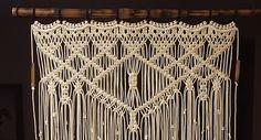 Cortina de ventana de bambú grande Macrame por MonroeArtist en Etsy
