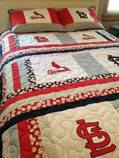 Louis Cardinals full size quilt with matching pillow shams St Louis Cardinals Baseball, Stl Cardinals, Baseball Quilt, Baseball Mom, Sports Quilts, Pillow Shams, Pillows, No Crying In Baseball, Baseball Crafts