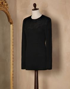 Lace cashmere crew neck sweater Women - Cardigans & knits Women on Dolce&Gabbana Online Store United States - Dolce & Gabbana Group