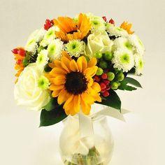 Buchet de mireasa/nasa doar la 123flori Nasa, Floral Wreath, Wreaths, Table Decorations, Floral Crown, Door Wreaths, Deco Mesh Wreaths, Floral Arrangements, Garlands