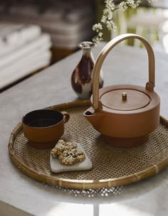 New terracotta tea set from the Skagerrak - Edge cup and Edge teapot is in raw terracotta on the outside. On the inside, both are glazed, so they therefore are easy to clean.