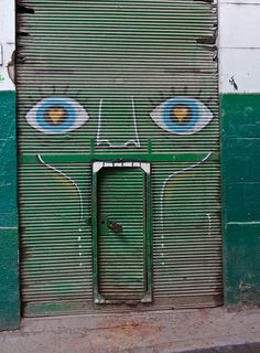 Come in -- so I can eat you!    (In Cuba)