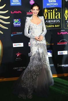 Kalki kochin in pretty long gown Celebrity Fashion Looks, Celebrity Dresses, Celebrity Style, Bollywood Dress, Asian Bridal, Traditional Fashion, Indian Celebrities, Asian Fashion, Women's Fashion