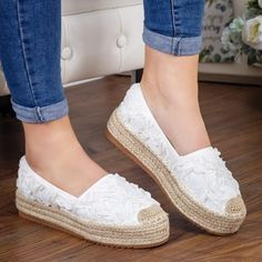 Espadrile Sonyta albe cu talpa groasa -rl Espadrilles, Flats, Casual, Shoes, Fashion, Zapatos, Espadrilles Outfit, Loafers & Slip Ons, Moda