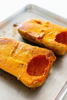 Roasted Butternut Squash Soup Squash In Oven, Vegan Butternut Squash Soup, Baked Squash, Roasted Butternut Squash Soup, Autumn Squash Soup Recipe, Soup Recipes, Cooking Recipes, Vitamix Recipes, Lunch Recipes
