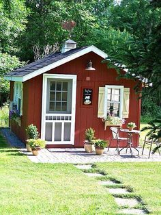Are you planing make some a backyard shed? Here we present it to you 50 Best Stunning Backyard Storage Shed Design and Decor Ideas. Diy Storage Shed Plans, Backyard Storage Sheds, Backyard Sheds, Diy Shed, Outdoor Sheds, Shed Landscaping, Backyard Barn, Barn Storage, Cottage Garden Sheds