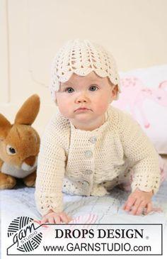 Conjunto de chaqueta a ganchillo con raglán, y gorro con patrón de abanicos para bebé y niños en DROPS BabyMerino