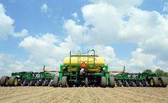 En los últimos cinco años se concretaron 60 grandes operaciones empresarias en el sector de la maquinaria agrícola a nivel mundial. La lista incluye fusiones, adquisiciones, alianzas empresarias y megainversiones. 2016 Excel Industries . La compañía