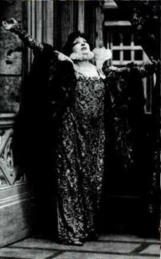 Poiret oriental costume for the actress Sarah Bernhardt