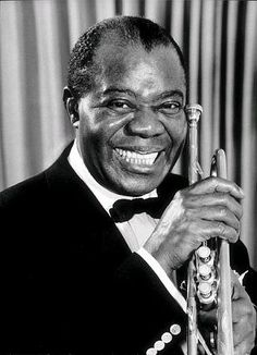 Louis Armstrong, nicknamed Satchmo or Pops, was an American jazz trumpeter, composer and singer who was one of the pivotal and most influential figures in jazz music. Music Icon, My Music, Reggae Music, Nova Orleans, Musica Disco, Photo Star, Cool Jazz, Looks Black, Jazz Blues