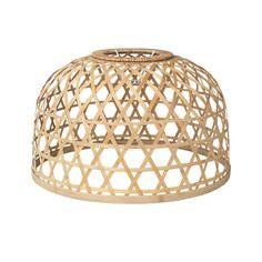 Voici la lampe suspension ZAP en bambou naturel de chez Broste Copenhagen. Superbe en forme de dome avec un design Scandinave, ce luminaire apportera une touche supplémentaire avec intérieur qu'il soit : Ethnique, Nordique ou Bohème.