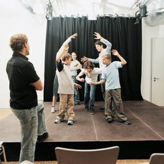 An arts-integrated teaching strategy that drama teaching artists use to help students make mental images of the texts that they read is Tableau. Theatre Games, Drama Theatre, Teaching Theatre, Musical Theatre, Drama Teacher, Drama Class, Drama Drama, Acting Class, Drama Activities