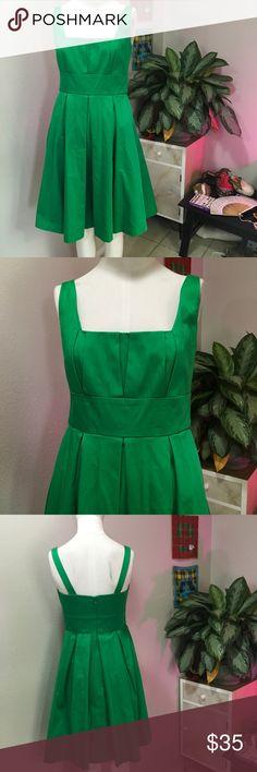 CALVIN KLEIN SZ XS 2 GREEN DRESS CUTE STRUCTURED Super cute dress Calvin Klein Dresses