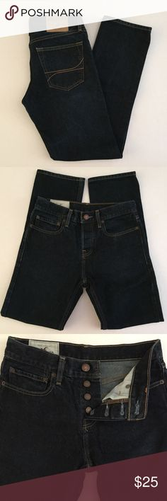 "Men's Hollister Jeans Sz 28x30 Men's Hollister California Slim Straight Fit Button Fly Jeans in Dark Denim. Size 28W 30L Front Rise 10"", Back Rise 13"" 100% Cotton Excellent Condition Hollister Jeans Slim Straight"