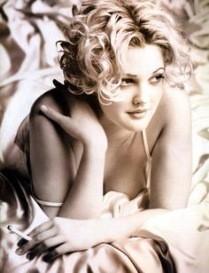 Drew Barrymore Archives - My New Hair Drew Barrymore Hair, Barrymore Family, Drew Barrymore Tattoo, Pretty People, Beautiful People, Beautiful Women, Amazing People, Beautiful Things, Diane Kruger