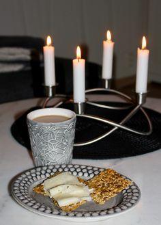 Fröknäcke med kanel | Fru Lilja Food And Drink, Candles, Candy, Candle Sticks, Candle