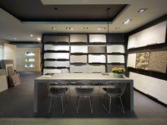 Kitchen Showroom, Tile Showroom, Showroom Interior Design, Showroom Ideas, Interior Design And Construction, Flooring Shops, Tile Stores, Shop Window Displays, Office Interiors