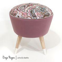 Tapizado en pana color Rosa Dior & Panamá Estampado Color Rosa, Retro, Bassinet, Dior, Furniture, Ideas, Home Decor, Home, Couches
