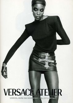 ATELIER VERSACE Autumn Winter 1997 by GIANNI VERSACE featuring NAOMI CAMPBELL photographed by MARIO TESTINO