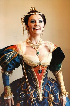 Valerie Masterson as Angelica, Queen of Cathay, in Handel's 'Orlando' . San Francisco Opera 1985( my thanks to Miss Masterson for this photo)