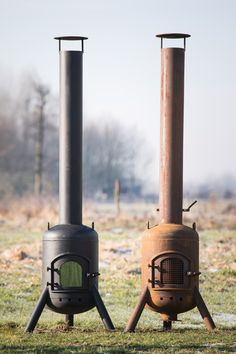 Lomp Zwaar Bol - Terraskacheltje | De grootste keus in houtkachels Metal Fire Pit, Diy Fire Pit, Fire Pit Backyard, Gas Bottle Wood Burner, Rocket Stove Design, Mini Wood Stove, Mini Grill, Stove Heater, Outdoor Oven