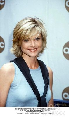 "Courtney Thorne Smith ""Courtney Thorne-Smith Photo Galleries,like the hair style"", ""Adorable ladies, we are with the gallery of Cute Short Hairstyles! Short Hair With Layers, Layered Hair, Short Hair Cuts, Cute Hairstyles For Short Hair, Hairstyles Haircuts, Haircut Trends 2017, Medium Hair Styles, Curly Hair Styles, Hair Transformation"