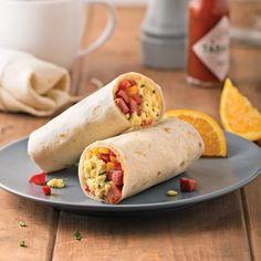 Burritos déjeuner - Amy E. Burritos, Halloumi, Nutrition, Junk Food, Fresh Rolls, Smoothies, Breakfast Recipes, Biscuits, Sandwiches