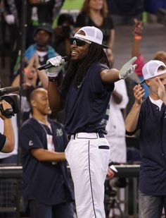 Richard Sherman, Seahawks draw 22,033 fans for celebrity softball game benefiting Blanket Coverage
