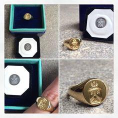 WEBSTA @ sarettajewellery - Saretta Handmade Bespoke English Signet Ring #signetring #gold #heritage #heraldry #familycrest #coatofarms #waxseal #sealengraving #debretts #bespoke #jewellery #jewelry #handmadeinlondon #SarettaJewellery