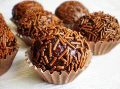 http://najrecept.sk/2014/12/salkove-gulicky-s-cokoladou/