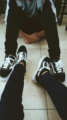 Vans old skoll Cute Couple Pictures, Best Friend Pictures, Relationship Goals Pictures, Cute Relationships, Cute Couples Goals, Couple Goals, Style Tumblr, Luxury Lifestyle Fashion, Fake Girls