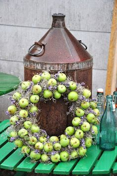 The feeling of the day ... - Autumn wreath with apples | LILJOR OCH TULPANER