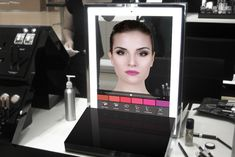 Makeup Mirror at CES 2016 Takes All the Guesswork Out of Beauty