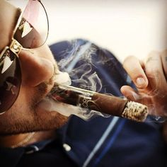 Tailored by Alec Bradley. #bestcigarprices #alecbradley #cigar #tailored #cigars #botl #cigarporn #smokeoftheday #nowsmoking